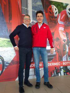 Bernardo assieme a Diego Turato amministratore delegato dell'azienda Bottecchia dopo aver tenuto una presentazione della sua storia